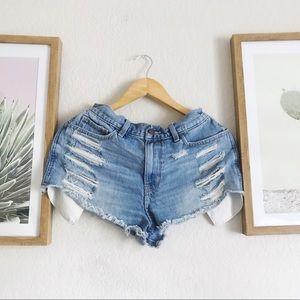 Demim distressed shorts 🌵